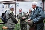 Okresní myslivecký spolek uspořádal minulý víkend ve Štokách již čtyřiadvacátý ročník Barvářských zkoušek teriérů a jezevčíků.