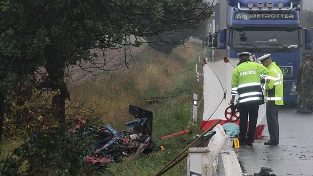 Tragická dopravní nehoda u obce Věž.