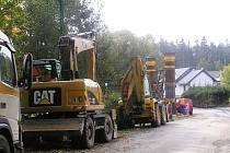 Stavební stroje už brzy vyjedou na silnice u Simtan i u Ronova, ilustrační foto