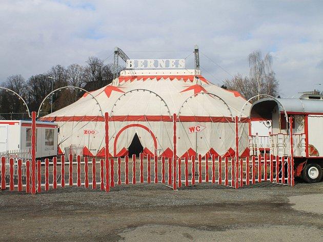 Cirkus Bernes představí svůj program v Havlíčkově Brodě.
