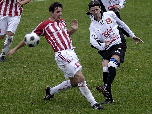 Havlíčkobrodský Slovan v desátém kole krajského přeboru vyhrál už počtvrté v řadě a Okříškám nadělil na cestu domů šest gólů.