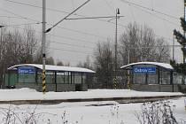 Zemřel člověk. Cestu domů si chtěl zřejmě zkrátit osmašedesátiletý muž přes koleje ve stanici Ostrov nad Oslavou.  Nevšiml si však přijíždějícího rychlíku, který ho srazil.