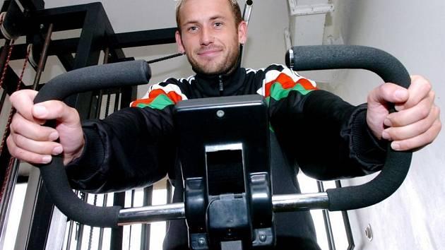 Je zpátky! Zkušený obránce Michal Lesák se v týdnu zapojil do přípravy.