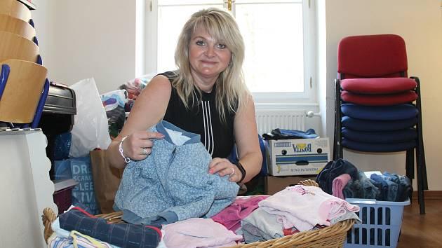 b9d7c0a60ec Na pomoc dvouletému Danečkovi věnuje své šaty i patronka akce Ilona ...