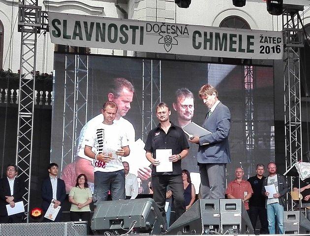 Za Měšťanský pivovar Havlíčkův Brod, a. s., přebral ocenění Aleš Vomela.