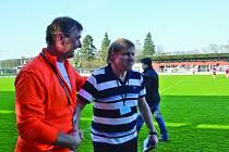 Výprask. Ten musel zkousnout poprvé na lavičce Havlíčkovy Borové trenér František Polák (vlevo), podle něho porážku 7:0 v Bedřichově zapříčinila únava hráčů z náročného programu.