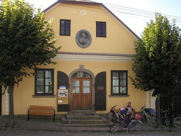 Památník Karla Havlíčka Borovského v Havlíčkově Borové.