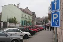 Pětapadesát nových parkovacích míst přibylo o tomto víkendu v havlíčkobrodských ulicích Havlíčkova (na snímku) a Beckovského. Celková parkovací kapacita čítá v obou těchto ulicích třiadevadesát míst.