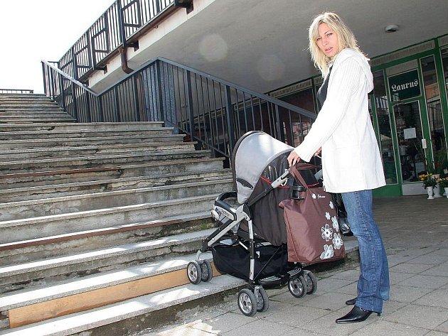 Matky s malými dětmi mají ve městě často problém: v případě potřeby není kde přebalit, nakojit. Vedení Havlíčkova Brodu v současnosti hledá možnosti, jak jim vyjít vstříc. Ilustrační foto