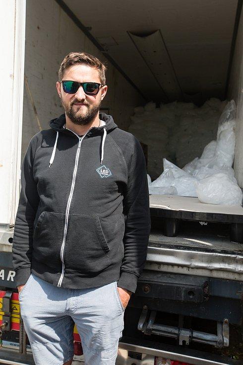 Výroba a skladování ledových kostek firmy Led Vysočina.
