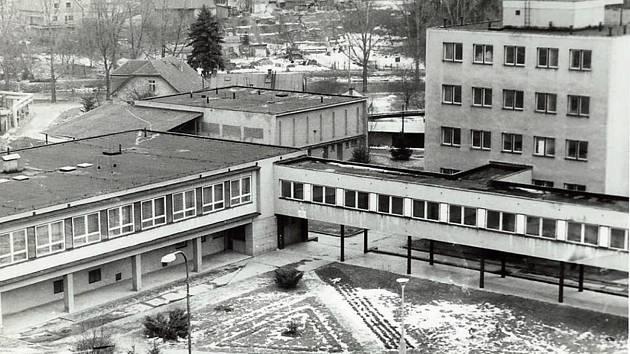Jednotlivé části školy byly zkolaudovány a předány do provozu od 1. září do 16. prosince roku 1968.