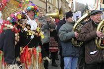 Od milované hudby se Otto Bauer (v popředí vpravo) neodloučil ani v důchodu.