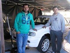 Josef Filip (vpravo) se motoristickému sportu věnuje již celých patnáct let.