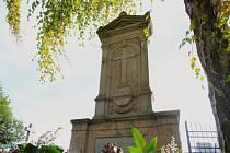 Na hřbitově v České Bělé znovu stojí náhrobek rodiny Sajfertovy. Pomník, pod nímž 105 let leží nejvýznamnější osobnost městyse, byl uveden do původního stavu před dnem Památky zesnulých.