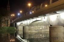 Slavnostní nasvícení mostu u kostela sv. Kateřiny.