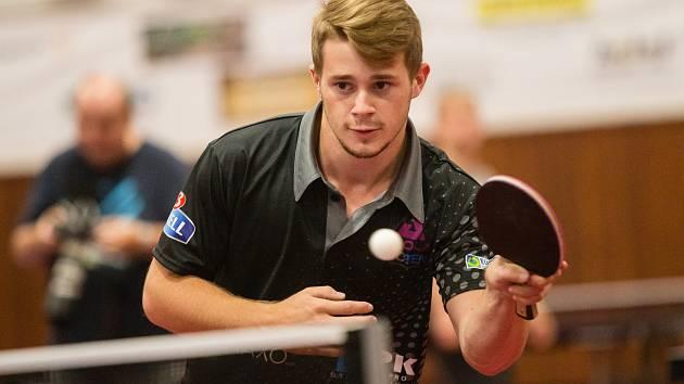 Radek Skála dostal šanci v hvězdném týmu HB Ostrov. Nezklamal, porazil Davida Průšu.