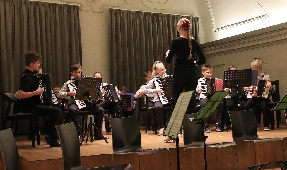 Koncert Jindřicha Macka a Jitky Baštové.