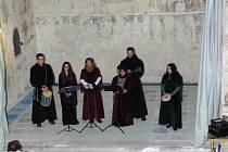 Spolek Přátelé Zahrádky uspořádal dušičkové setkání v kostele sv. Víta v Zahrádce u Ledče nad Sázavou.
