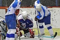 Oba zástupci Havlíčkobrodska v krajské hokejové lize museli svoje zápasy otáčet. Chotěboř doma prohrávala s Chrudimí B 0:2 a 2:3, aby nakonec vyhrála 5:3. Světelští skláři prohrávali v Chocni už 4:1, nakonec však zvítězili 5:4.