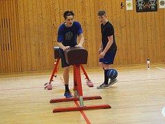 Náročnou přípravu naordinovali starším dorostencům BK trenéři Václav Adam a Jaroslav Benc.
