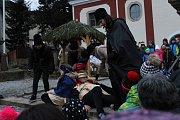 Děti ze světelské základní školy nacvičily divadelní představení na motivy biblického příběhu narození Ježíška.