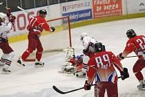 Z hokejového utkání Havl. Brod - Olomouc.