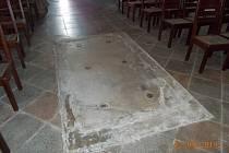 Podzemí klášterního kostela sv. Rodiny dosud nikdo nespatřil.