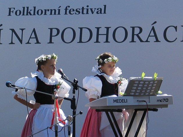 Folklor, dobré víno, cimbálová a dechová muzika a nejrůznější atrakce. Tak to vypadá o tomto víkendu 13. a 14. září ve Velké Bíteši.