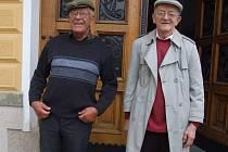 Bratři Reynkové jsou šarmantní a vtipní páni.  Na radnici, kde narozeniny oslavili, nebyla nouze o úsměvné hlášky.