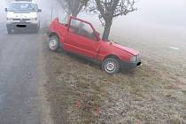 Ve středu v  časných ranních hodinách vyjížděli policisté k dopravní nehodě,  která se stala na silnici mezi místní částí Veliká (obec Bojiště) a Ledčí nad Sázavou.
