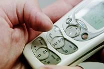 Půjčka za všechny peníze. Policie varuje před podvodníky slibující úvěr po telefonu.