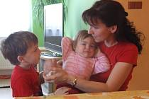 Zdena Pavlasová z Chotěboře měla tři velké sny. Studovat, cestovat a mít početnou rodinu. Tato tři přání se ale navzájem vylučují. Zdena Pavlasová nakonec zvolila rodinu.