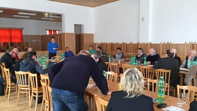 Již třetí jednání starostů s europoslancem Tomášem Zdechovským v Kožlí.