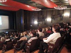 Odborné přednášky si v sále havlíčkobrodského kina vyslechlo na tři sta posluchačů.