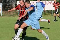 I tentokrát si v posázavském derby připsali vítězství na konto fotbalisté Světlé (v pruhovaném kapitán Bohuslav Císař). Na podzim vyhráli 3:0, nyní 1:0.