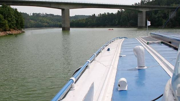 Stropěšínský most. Most přes Dalešickou přehradu potřebuje opravit. Není sice v havarijním stavu jako most v Mirošově, ale investice je nutná.