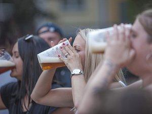 OBRAZEM: V Chotěboři teklo pivo proudem, pivovarníci slavili