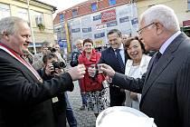 Prezidentský pár zahájil návštěvu Vysočiny v Ledči nad Sázavou.