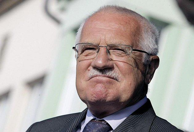 Prezident Václav Klaus zahájil návštěvu Vysočiny v Ledči nad Sázavou.