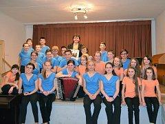 V Havlíčkově Brodě při Základní umělecké škole J. V. Stamice funguje již čtrnáct let akordeonový orchestr Pohoda, ve kterém hrají žáci od devíti do dvaceti let. Ti umí na harmoniku zahrát jakýkoliv hudební žánr.