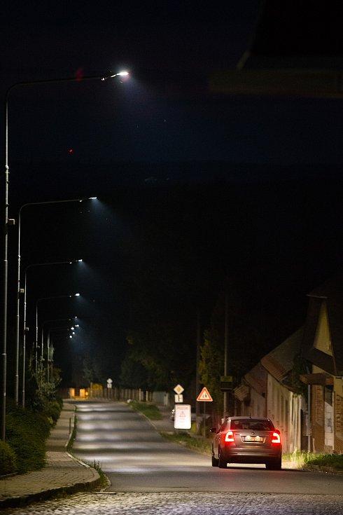 Pouliční osvětlení v Havlíčkově Borové.
