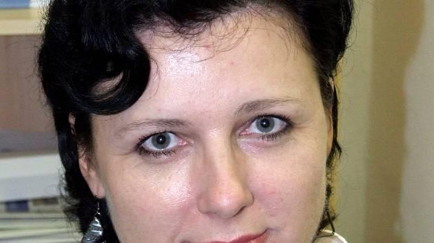 Věra Jourová. Je to politický proces, říká bývalá náměstkyně ministra pro místní rozvoj. Pracovala i jako vedoucí odboru regionálního rozvoje Krajského úřadu kraje Vysočina. Předtím působila v Třebíči, mimo jiné coby tajemnice městského úřadu.