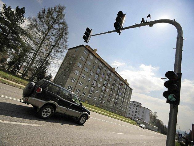 """""""Chytrý"""" semafor dá zelenou jen těm, kdo jedou správnou rychlostí."""