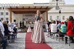 Charitativní přehlídka svatebních a společenských šatů v Havlíčkově Brodě