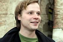 Kryštof Hádek ve středu navštívil havlíčkobrodský Klub Oko, kde proběhlo promítání filmu Kobry a užovky. Ve filmu si Hádek zahrál společně se svým bratrem Matějem.