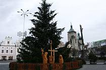 Nejkrásnější svátky v roce už téměř měsíc navozuje v Havlíčkově Brodě nejenom ozdobený strom, ale také dva betlémy – dřevěný a slaměný.