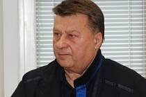 Advokát Josef Doucha u soudu.