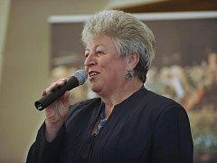 Dlouholetá pořadatelka a hostitelka Marie Kružíková adresovala pozvání všem starostkám, zastupitelkám i poslankyním z Vysočiny.