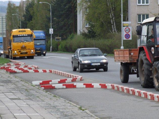 Konec kontrolám. V těchto místech na Masarykově ulici prováděli dopravní policisté i městští strážníci kontroly automobilů pravidelně.
