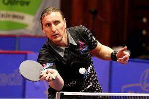 Dmitrij Prokopcov předvedl velký návrat do zápasu. Ve druhém setu duelu s Olivaresem odvrátil pět setbolů.